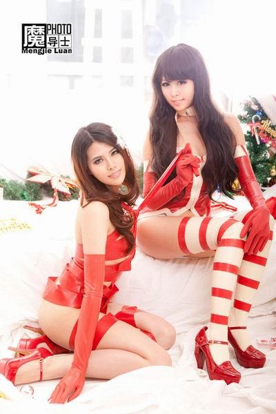 游戏美眉卧床玩捆绑 看大尺度圣诞贺图